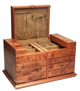 Agresti of Italy makes stunning, exclusive, handmade wooden jewelry boxes, for men and women, and games boxes, all available via Amazon.com.